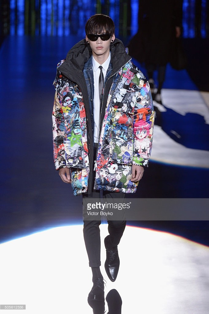 walks the runway at the Dsquared2 show during Milan Men's Fashion Week Fall/Winter 2016/17 on January 19, 2016 in Milan, Italy.